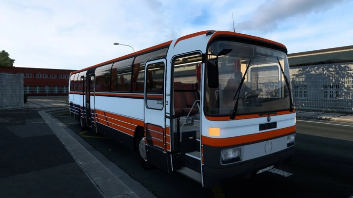 ATS - Mercedes-Benz O303 Bus + Interior V1.0 (1.41.x)