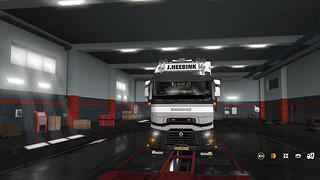 ETS2 - Tinted Headlights Renault-T V0.1 (1.35.X)
