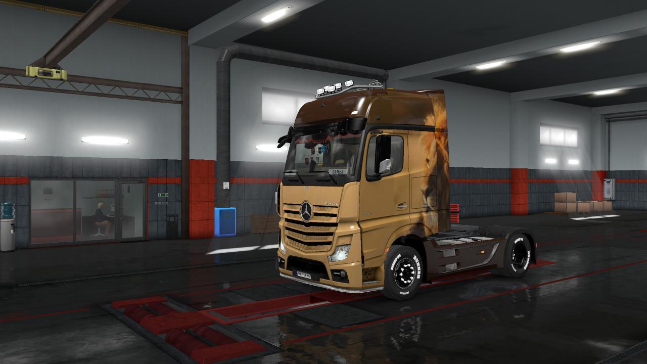 ETS2 - Mercedes New Actros Simon Loos Skin V1.1 (1.35.X)